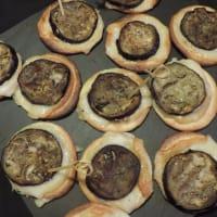 Pizzette de la corteza con la berenjena y scamorza paso 1