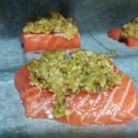 filete de salmón en costra de pistacho