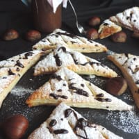 Triangles of pastry stuffed with chestnut puree