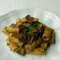 Rigatoni with mushrooms