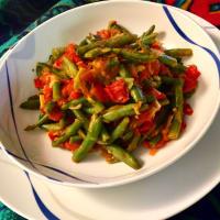 judías verdes en salsa de tomate