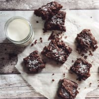 Brownies de coco y chocolate vegana