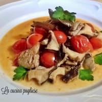 cardoncelli mushrooms with cherry tomatoes