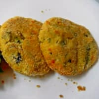 Medallions of zucchini and provolone