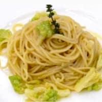 Espaguetis con coliflor romana