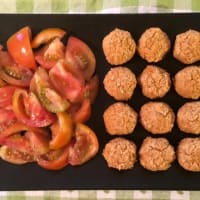 Meat balls of chickpeas and oats
