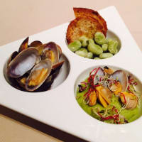 Cream of broad beans and clams
