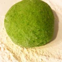 Ravioli di spinaci su crema di zucca, con caviale di balsamico step 1
