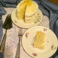 White lemon and limoncello cake