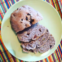 Wholemeal bread with raisins and nuts