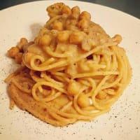 Pasta con garbanzos y castañas