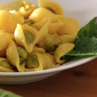 Pasta with broad beans and mint