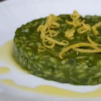 Risotto with spinach and lemon