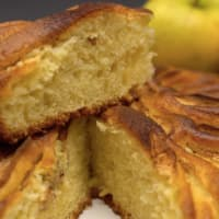Apple cake with yogurt