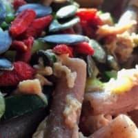Pastas integrales con las bayas de Goji y semillas de calabaza