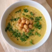 Jerusalem artichoke soup with chickpeas