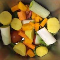 Caldo de verduras en una olla a presión paso 1