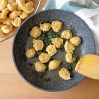 gnocchi de garbanzos con mantequilla y salvia paso 3
