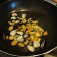 Paella de marisco y pollo paso 1