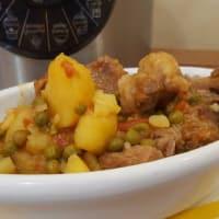 Guisado con patatas y guisantes
