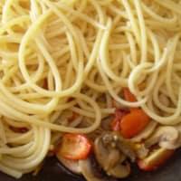 Bucatini funghi, pomodorini e formaggio step 4