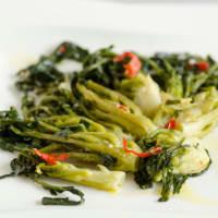 El brócoli fiolaro de Creazzo en la sartén