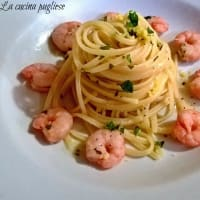 Pasta with lemon and shrimp