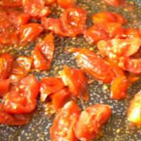 Pasta con tomates cherry y pesto de cohete paso 4