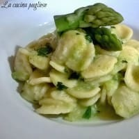Orecchiette con crema di asparagi