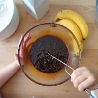 pastel de plátano, nueces y pasas paso 3