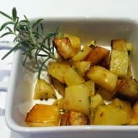 patatas cocidas al horno con romero fresco