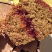 Muffin con panna montata alla marmellata