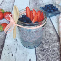 Chia pudding vegan red fruit