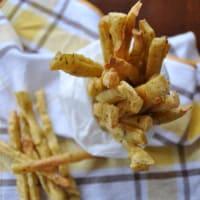 Chips con harina de garbanzos crujientes con romero