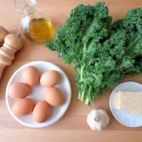 Huevos rellenos de col rizada paso 1