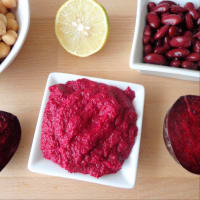 salsa de remolacha y granos rojos