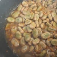 Spaghetti bio, fave, asparagi, pomodori e ricotta stagionata step 3