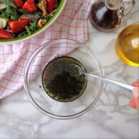 ensalada de rúcula, espárragos, aguacates y fresas paso 2