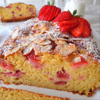 Plumcake with strawberries and ricotta without butter