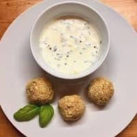 ALBÓNDIGAS coliflor con crema de yogur