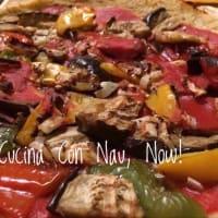 Vegano pasta de la pizza con la coliflor