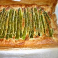 Quiche with asparagus and bacon