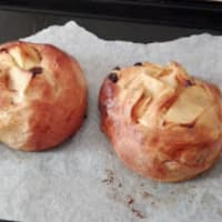 Brioche spirits filled with apples, raisins and pine nuts step 37