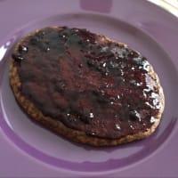 Pancake con cuore al cioccolato
