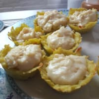 Potato baskets with cheese cream