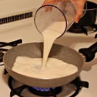 How to prepare béchamel step 1