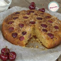 De coco pastel y las cerezas