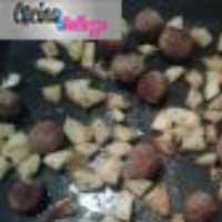 LEER albóndigas con patatas cocidas al horno, crujiente y sabroso paso 4