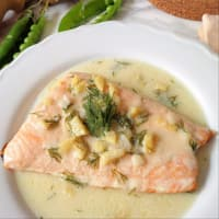 Steamed salmon with ginger cream