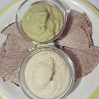 humus de garbanzo y nachos integrales